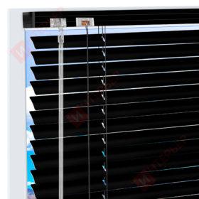 Горизонтальные алюминиевые жалюзи на пластиковые окна - цвет черный